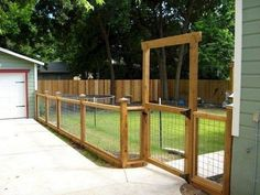 60 DIY Backyard Privacy Fence Design Ideas on A Budget - Insidexterior . 60 DIY Backyard Privacy Fence Design Ideas on A Budget – Insidexterior # Diy Privacy Fence, Privacy Fence Designs, Backyard Privacy, Diy Fence, Fence Landscaping, Pool Fence, Backyard Fences, Fence Gate, Garden Fencing