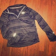 Nike dri fit running long sleeve Thin, grey and black, youth large Nike Tops Tees - Long Sleeve
