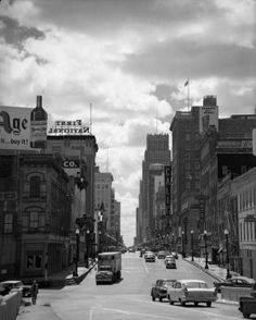 Main Street Houston in 1958.   More photos here: http://bit.ly/1pujiN2