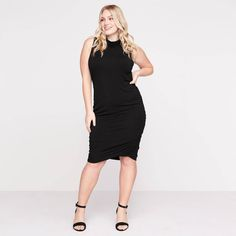 I love this dress it looks very flattering, my body shape isn't as curvy so hopefully it would like as nice on me