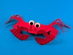 Pinch us! This funny little crab is actually made out of a paper plate.  #kidcrafts
