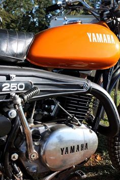 Yamaha. Orange.
