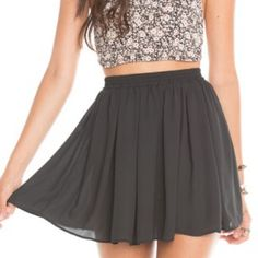 Brandy Melville Sylvia Skirt - Grey Brandy Melville Sylvia Skirt - Grey - Small Brandy Melville Skirts