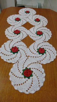 Thread Crochet, Filet Crochet, Crochet Motif, Crochet Designs, Crochet Doilies, Crochet Flowers, Crochet Table Runner Pattern, Crochet Tablecloth, Yarn Crafts
