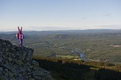 First to the top! Autumn is the perfect time of year to give Top 10 Trysil a try - easy peak hikes for the whole family! Beautiful Norway, Norway Travel, North America, Hiking, Mountains, Autumn, Easy, Top, Summer