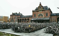 Groningen, Netherlands – Around 50% of the population of Groningen commutes on bicycles every day, making it the city with the most bicycles per capita.