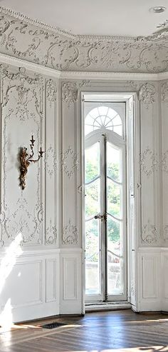 Reminds of place that I used to take ballet class~ Rococo and Louis XV Antique Style