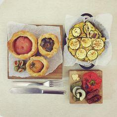 morning thursday :-X))) #goodmorning #morning #breakfast #yummy #goodfood #instafood #onthetable  #homemade #foodie #foodstagram #foodphoto #top_food_of_instagram  #朝食 #早餐 #baking #bread #honey_plumbread #seasalt_tomato_bread #persimmon_bread #cheese_eggplant_mushroom_summer squash #roadt_okra_redpepper_sausage