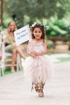 30 Nontraditional Wedding Looks for Your Flower Girl and Ring Bearer Martha Stewart Weddings has combined 30 unique outfits for your flower girls and ring bearers. Flower Girl Dresses Boho, Tulle Flower Girl, Tulle Flowers, Wedding Flowers, Wedding Flower Girls, Mermaid Wedding, Boho Dress, Inexpensive Bridesmaid Dresses, Cheap Dresses