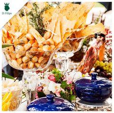 Ilha Gastronômica produzida pela Vivi Barros Buffet com as #ceramicas #cristais da #dfilipa. Para ser sofisticado, pode também ser simples!
