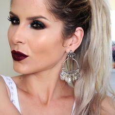 Batom Vinho | Maquiagem Noite | Por @claudiaguillenmakeup | Batom Líquido Sad Girl da @anastasiabeverlyhills ♥ Brincos Samantha @ludoraboutique ♥