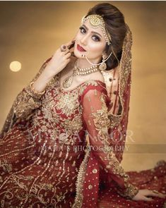 Brides dream of finding the ideal wedding ceremony, but for this they require the best wedding dress, with the bridesmaid's dresses enhancing the brides-to-be dress. Here are a few ideas on wedding dresses. Pakistani Bridal Makeup, Pakistani Wedding Dresses, Pakistani Dress Design, Indian Bridal, Bridal Lehenga, Desi Wedding Dresses, Wedding Wear, Wedding Ceremony, Wedding Bride