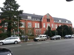 Het Oude Rooms Katholieke Ziekenhuis (ORKZ) Daar zijn mijn amandelen geknipt in ongeveer 1969. Later nog eens met een schoolexcursie geweest; toen was het een kraakpand.