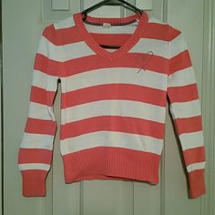 Girls size  10/12 old navy sweater (200) Girls pink and white striped sweater Old Navy Sweaters V-Necks