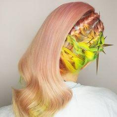 E o cabelo cor-de-pêssego ganhou espaço. | 17 cores de cabelo que conquistaram nossos corações em 2016