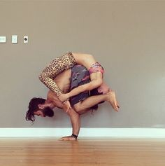 crazy #acroyoga Crow and wheel posture. YogAlex @fb.com/NeverGiveupYoga