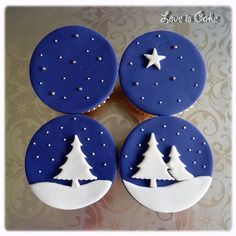Christmas blue cupcakes by LoveIsCakeUK would look great as decorated christmas cookies too! Christmas Cupcakes Decoration, Christmas Cake Designs, Christmas Sweets, Christmas Cooking, Blue Christmas, Christmas Goodies, Simple Christmas, Christmas Cakes, Christmas Ideas