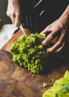 The Vegetable Butcher Shows You How to Break Down Romanesco | Kitchn Romanesco Cauliflower Recipe, Romanesco Broccoli, Broccoli Recipes, Plant Based Recipes, Vegetable Recipes, Paleo Recipes, Keto Side Dishes, Fruits And Veggies, Roasted Vegetables