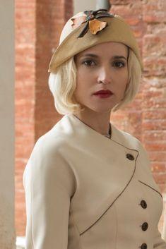 Netflix Series, Tv Series, Girls Series, Movie Costumes, Girl Power, 1940s, The Twenties, Chef Jackets, Personal Style