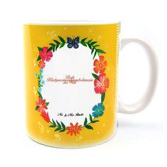 Tasse Design Frame Happy Girls aus Keramik  Weiß - Das Original von Mr. & Mrs. Panda.  Eine wunderschöne Keramiktasse aus dem Hause Mr. & Mrs. Panda, liebevoll verziert mit handentworfenen Sprüchen, Motiven und Zeichnungen. Unsere Tassen sind immer ein besonders liebevolles und einzigartiges Geschenk. Jede Tasse wird von Mrs. Panda entworfen und in liebevoller Arbeit in unserer Manufaktur in Norddeutschland gefertigt.    Über unser Motiv Design Frame Happy Girls  Wunderschönes Design Happy…
