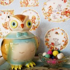 This little owl cookie jar will be sitting in my kitchen (hopefully) very soon!