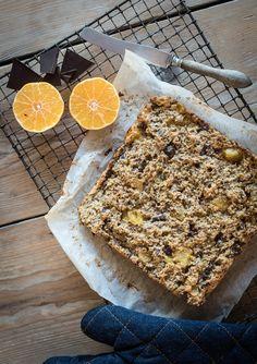 Het weekend is perfect voor een zelf gemaakte cake. Dit keer maken we mandarijnen cakes van havermout en amandelmeel, er gaan ook chocolade chunks en koekkruiden in
