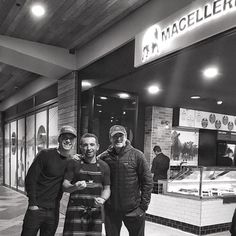 PHOTO♢ Michael and @DemianBichir outside @MacelleriaBondi w chef Pete, Sydney!