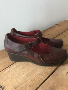 28b364c4bf86eb UK SIZE 6.5 WOMENS CLARKS ACTIVE AIR BROWN LEATHER WEDGE MARY JANE VELCRO  STRAP Clark Wedges