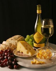 Wine Bread Cheese by adge on deviantART Wine And Cheese Party, Wine Cheese, Food Platters, Cheese Platters, Wine Recipes, Great Recipes, Vino Y Chocolate, Wine Photography, Wine Art