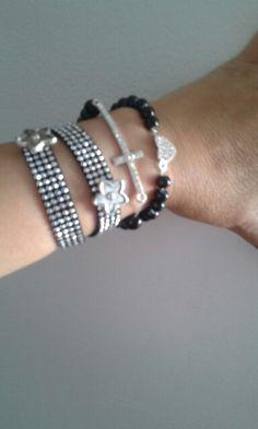 Conjunto pulseiras em preto