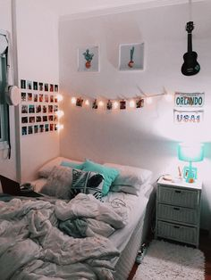 30 Wonderful and Cute Dorm Room Ideas to Inspiring you Home Design Ideas Dorm R. 30 Wonderful and Cute Dorm Room Ideas to Inspiring you Home Design Ideas Dorm Room Decor Ideas Cut Cute Bedroom Ideas, Room Ideas Bedroom, Teen Room Decor, Bedroom Decor, Girls Bedroom, Modern Bedroom, Bedroom Inspo, Shabby Bedroom, Romantic Bedrooms