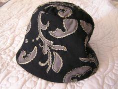 Monika's hat in rervers applique, Alabama chanin design