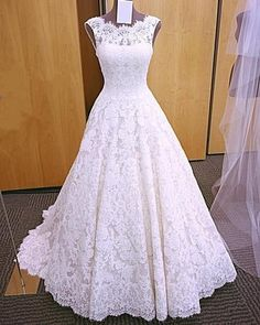 2018 Elegant A Line Lace Wedding Dress, Sleeveless