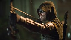 'Arrow' Debuts a New Suit for Season 4 -- and It's Badass!