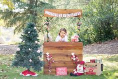 Christmas Mini Session Candy Cane Stand Christmas Photos Holiday Sessions Christmas Sessions for kids Holiday sessions for kids
