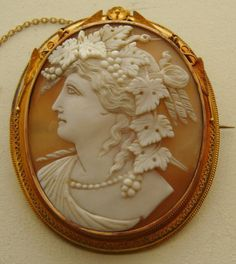 Antique Shell Cameo ~ 15K gold brooch ~ Baccante