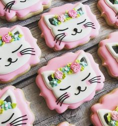 Kitty cookies with flower headbands