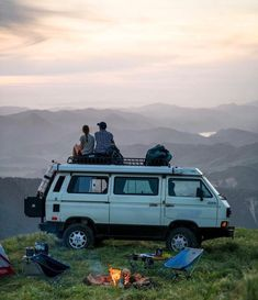 Living-In-Van-Life-Travel-Photography Van Life - Creative Vans Vw Camping, Camping Life, Vans, Combi Vw T2, Vw T3 Camper, Mini Camper, Volkswagen Bus, Vw T3 Syncro, Quitting Job