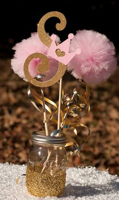This listing is for a custom princess centerpiece. Please note letter at checkout. You will receive: 1 Letter stick made from glittery gold card