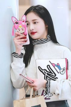 jieqiong | Tumblr Kpop Girl Groups, Korean Girl Groups, Kpop Girls, Fashion Tag, Daily Fashion, Kpop Fashion, Extended Play, Airport Style, Airport Fashion