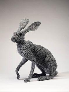 Les sculptures en grillage de Kendra Haste