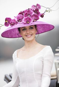 Victoria Pendleton |Royal Ascot wearing a white Emilia Wickstead dress and a Philip Treacy hat.