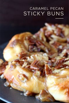 Caramel Pecan Sticky Buns Caramel Pecan sticky buns feature soft cinnamon rolls covered in a sweet brown sugar pecan topping. Pecan Sticky Buns, Pecan Rolls, Cinnamon Rolls, Sticky Rolls, Brunch Recipes, Sweet Recipes, Breakfast Recipes, Breakfast Healthy, Recipes Dinner