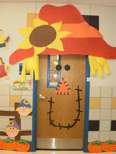 Fall and Halloween Door Display Bulletin Board Idea Scarecrow Fall Classroom Door Decoration Fall Classroom Door, Classroom Crafts, Classroom Fun, Future Classroom, Thanksgiving Classroom Door, Thanksgiving Door Decorations, Thanksgiving Bulletin Boards, Welcome Door Classroom, Door Decoration For Preschool