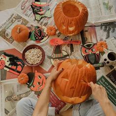"""""""Spent the afternoon carving pumpkins with my pumpkin 🎃 hope you're all having a fall filled Sunday!"""