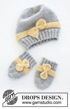 Little Miss Ribbons Mittens / DROPS Baby - Das Set umfasst: Gestrickte Mü. Little Miss Ribbons Mittens / DROPS Baby - The set includes: Knitted baby hat and mittens, plain right an Baby Hat And Mittens, Baby Hats Knitting, Crochet Baby Hats, Knitting For Kids, Baby Knitting Patterns, Knitting Stitches, Free Knitting, Knitting Projects, Knitted Hats