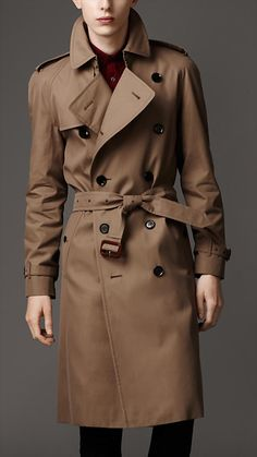 First trench coat developed (Burberry)