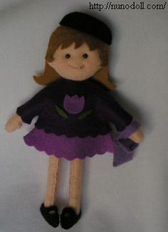 """Gorgeous 6"""" felt dolls and clothes with downloadable patterns from Nuno Life"""