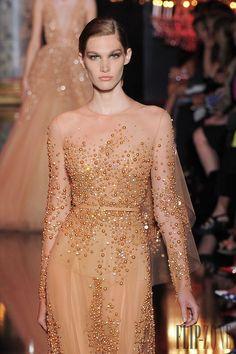 Elie Saab – 103 photos - the complete collection Gala Dresses, Red Carpet Dresses, Evening Dresses, Wedding Dresses, Runway Fashion, Fashion Outfits, Net Fashion, Costura Fashion, Bridesmaid Saree