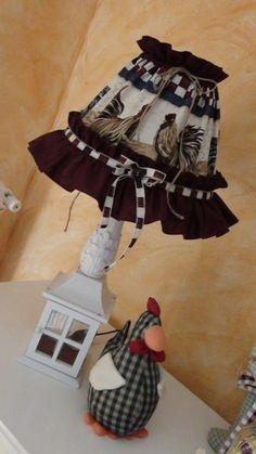 Lampada Creativa realizzata in modo completamente artigianale! Tutto sempre in stile Country!